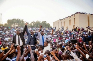 10_Akon-Solar-Power-To-Africa
